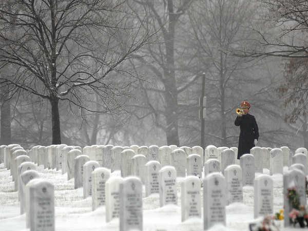 Mơ thấy bia mộ là điềm lành hay gở, nên đánh con số nào?