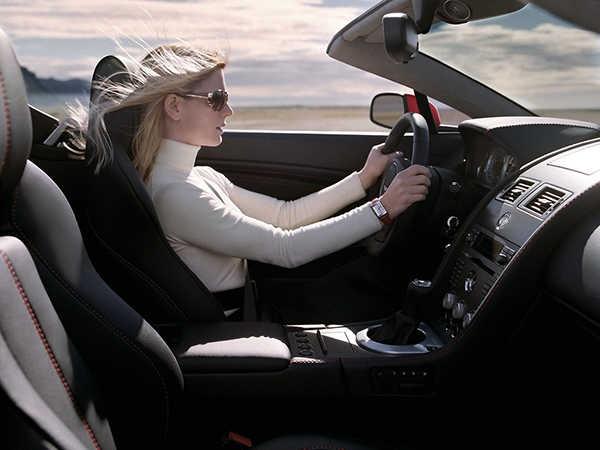 Mơ thấy ngồi trên xe ô tô điềm báo gì, đánh con đề bao nhiêu?