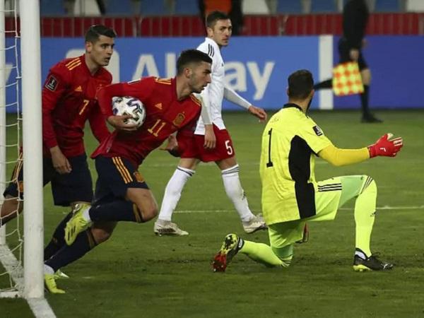 Tin bóng đá 29/3: HLV Luis Enrique đau tim vì tuyển Tây Ban Nha